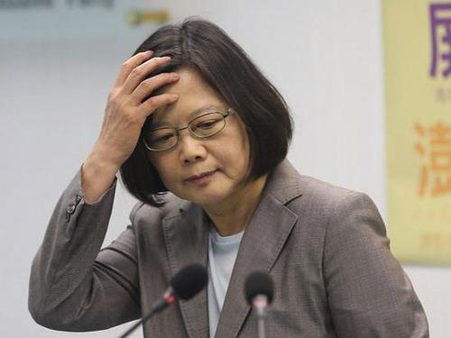 绿营大佬大骂蔡当局:这些人渣不是在从政,是掏空台湾